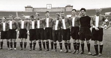 «Локомотив» в 1948 году. Михаил Антоневич - первый справа